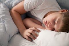 Nightdreaming na cama Foto de Stock