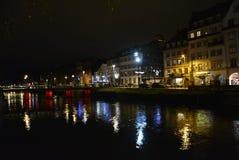 Nightime reflexioner av Strasbourg, Frankrike Royaltyfri Fotografi