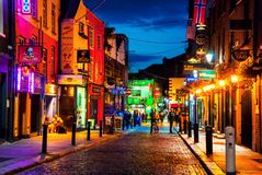 Nightlife at popular part of the city Temple Bar quarter in Dublin, Ireland Stock Photos