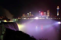 Nightly Gloeiende Mist van Niagara Stock Afbeeldingen