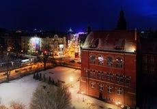 Nightly panorama van de luchtmening van Katowice in de winter, Polen eur Stock Afbeeldingen