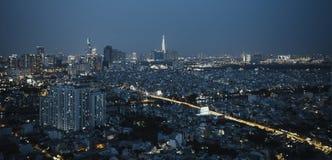 Nightscape av Ho Chi Minh City royaltyfria bilder