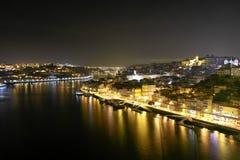 Nightscape av Porto Royaltyfri Fotografi