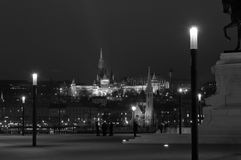 Nightscape con il bastione di Fishermans e Matthias Church, Budapest, Ungheria Fotografie Stock Libere da Diritti