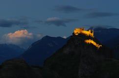 Nightscape de Sion, Suiza en el crepúsculo Imágenes de archivo libres de regalías