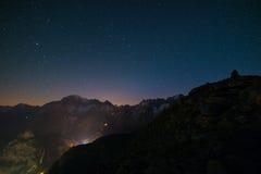 Nightscape di Monte Bianco Mont Blanc con il cielo stellato Immagini Stock