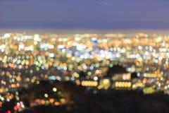 Nightscape du centre de Los Angeles de tache floue spéciale avec Griffin Observ Images stock