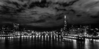 Nightscape noir et blanc de Londres Photo stock