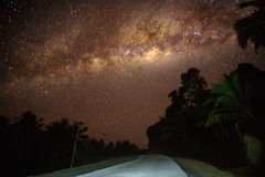 Nightscape, Stern, milkyway Lizenzfreie Stockbilder