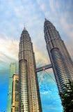 Nightscape von Petronas-Twin Towern lizenzfreies stockbild