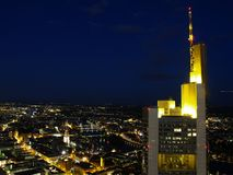 Nightscene da cidade de Francoforte Fotos de Stock Royalty Free