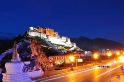 Nightscene do palácio de Potala Imagem de Stock Royalty Free