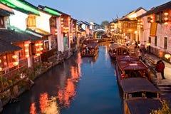 Nightscene von Suzhou-Straße Lizenzfreie Stockfotos