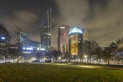 Nightshot горизонта города Гааги Стоковое фото RF