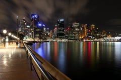 Nightshot der Sydney-Skyline, Australien Lizenzfreie Stockfotos