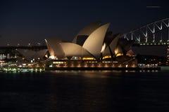 Nightshot di opera di Sidney fotografia stock