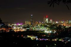 Nightsscape de ville de Brisbane Images stock