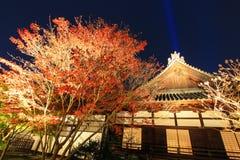 Nighttime в осени на Shoren-в виске Стоковое Фото