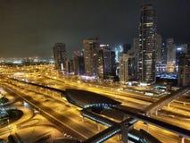 Nighttime над шоссе стоковое изображение rf