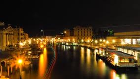 Nighttime на грандиозном канале Венеции Стоковое Изображение