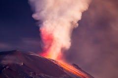 Nighttime Długi ujawnienie Tungurahua wulkan Zdjęcia Stock