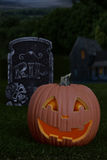 Nighttime Halloween pumpkin Royalty Free Stock Images