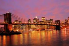Nighttime para Manhattan imagens de stock