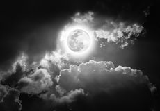 Nighttime sky with clouds, bright full moon would make a great b Royalty Free Stock Photos