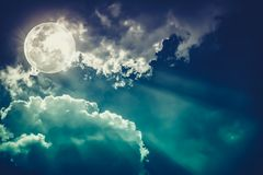 Free Nighttime Sky With Clouds And Bright Full Moon Would Make A Great Background. Stock Photo - 103514630