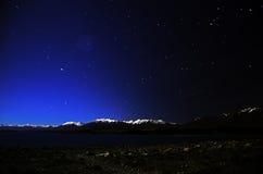 Nightview берега озера Tekapo Стоковые Фотографии RF
