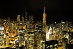 Nightview του στο κέντρο της πόλης Σικάγου Στοκ εικόνα με δικαίωμα ελεύθερης χρήσης