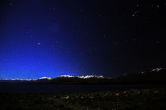 Nightview da beira do lago de Tekapo Fotos de Stock Royalty Free