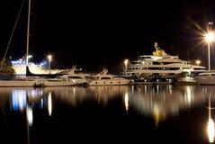 Nightview del porticciolo di Cagliari Immagine Stock