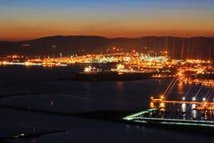 Nightview di Gibilterra e di Linea de la Concepción Fotografia Stock