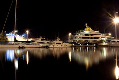 Nightview do porto de Cagliari Imagem de Stock