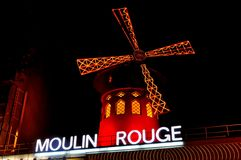 Nightview do vermelho de Moulin Foto de Stock