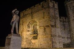 Nightview en la estatua de Lloyd George Imagenes de archivo