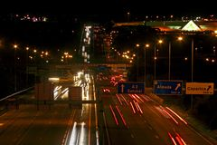 Nightview on highway Royalty Free Stock Images