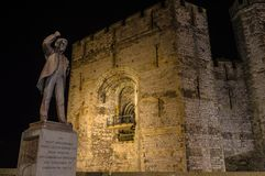 Nightview på den Lloyd George statyn Arkivbilder
