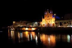 Nightview van St Julians baai. Royalty-vrije Stock Foto's