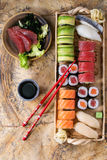 Nigiri, ρόλοι και sashimi σουσιών καθορισμένο Στοκ φωτογραφίες με δικαίωμα ελεύθερης χρήσης
