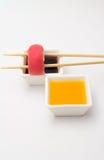 Nigiri de sushi de thon Photos stock