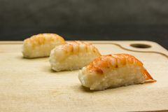 Nigiri-sushi na placa Fotografia de Stock Royalty Free