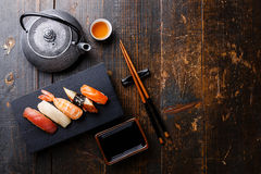 Nigiri sushi set and green tea Stock Photography