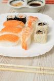 Nigiri und Sushi Lizenzfreie Stockfotos
