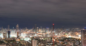 nigth地标的曼谷市 库存图片
