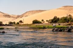 Nijl en woestijn stock foto