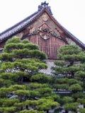 Nijo城堡,京都的装饰山墙饰 免版税库存照片