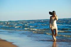 Nikła kobieta w kapeluszu Zdjęcie Royalty Free