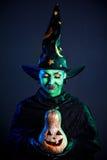 Nikczemna czarownica z banią Zdjęcia Royalty Free